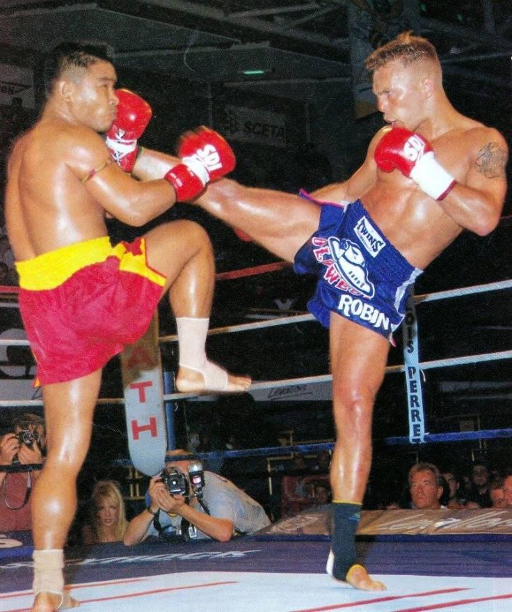 Ramon Dekkers vs Coban Lookchaomaesaithong IV - 25-06-1994.jpg