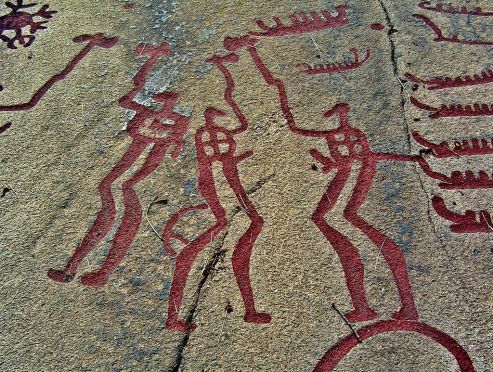 1024px-Tanumshede_2005_rock_carvings_5
