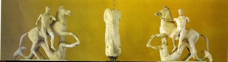 Gruppi con dioscuri, acroterio del santuario in contrada Marasà, fine V sec. a.c. o inizio IV sec. a.c.